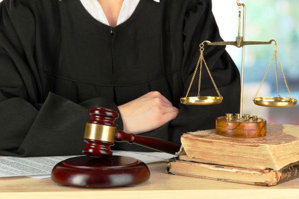 تفاوت وکیل پایه یک و پایه دو دادگستری در چیست؟