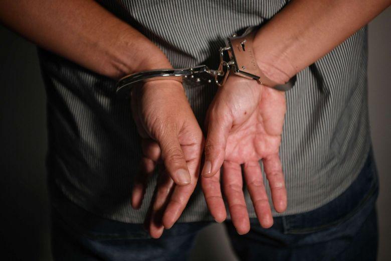 در چه جرایمی متهم حق ملاقات با وکیل را ندارد؟