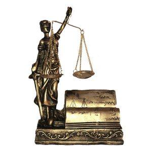 ویژگیهای یک وکیل خوب در اصفهان