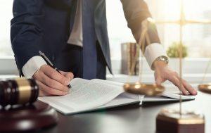 تعهدات وکیل حقوقی در برابر موکل